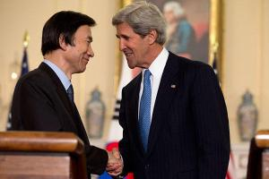 Secretary of State John Kerry (r.) shakes hands with South Korean Foreign Minister Yun Byung-Se at the State Department in Washington Tuesday.(Jacquelyn Martin/AP)